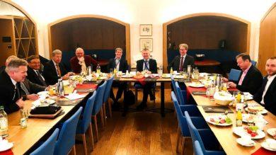 Parlamentarisches Frühstück mit Staatssekretär Roland Weigert und der Landtagsfraktion der FREIEN WÄHLER im Bayerischen Landtag